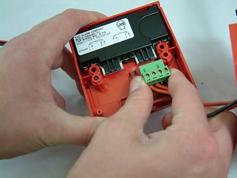 MCP3A-R000SG-STCK-01, KAC, Sistemi convenzionali, Incendio, Contatto : Invertitore singole, Protezione IP : 24D, Montaggio : Apparente, Colore : Rosso, Pittogramma : Fuoco secondo EN54-11,